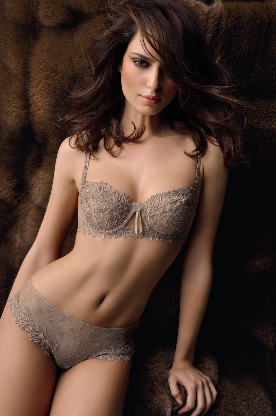 Cantrinel Menghia Luks Wowsome In Lise Charmel Lingerie -6697