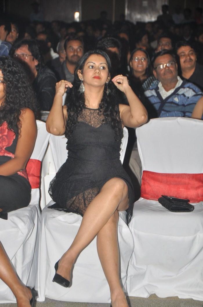 Kamna Jethmalani Hot in Black Dress at CCL Season 2 Curtain Raiser