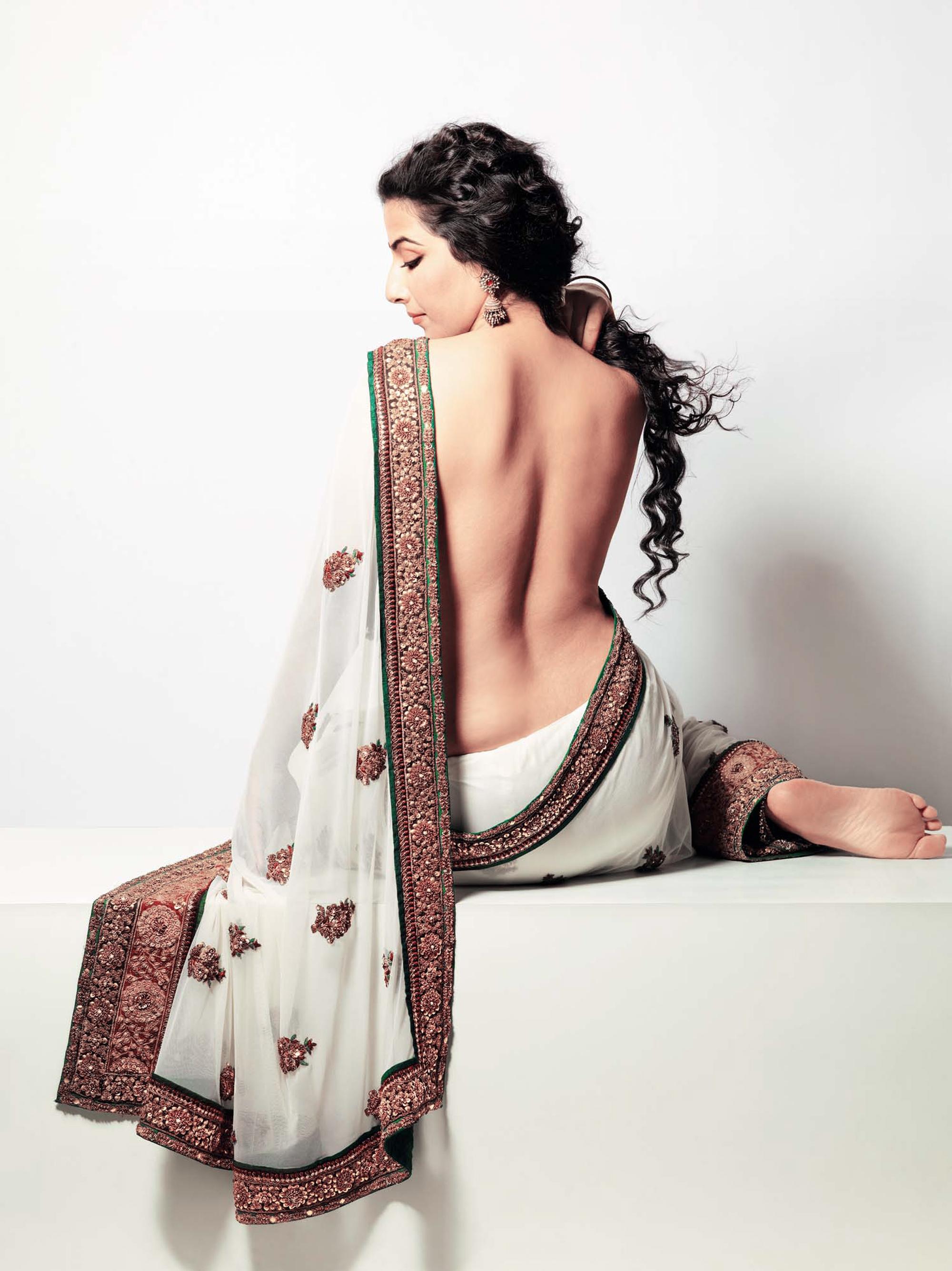 Vidya Balan In Fhm Magazine November 2010  Photo Press-5249